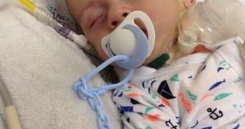 Léo precisa de um transplante nos EUA (Foto: Arquivo pessoal)