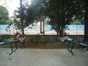 Crianças brincam em parquinho (Foto: arquivo pessoal)