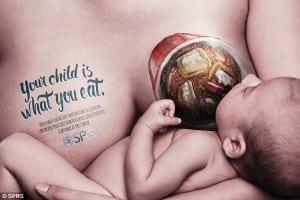 Cartaz mostra refrigerante que a mãe bebeu (Reprodução/SPRS)