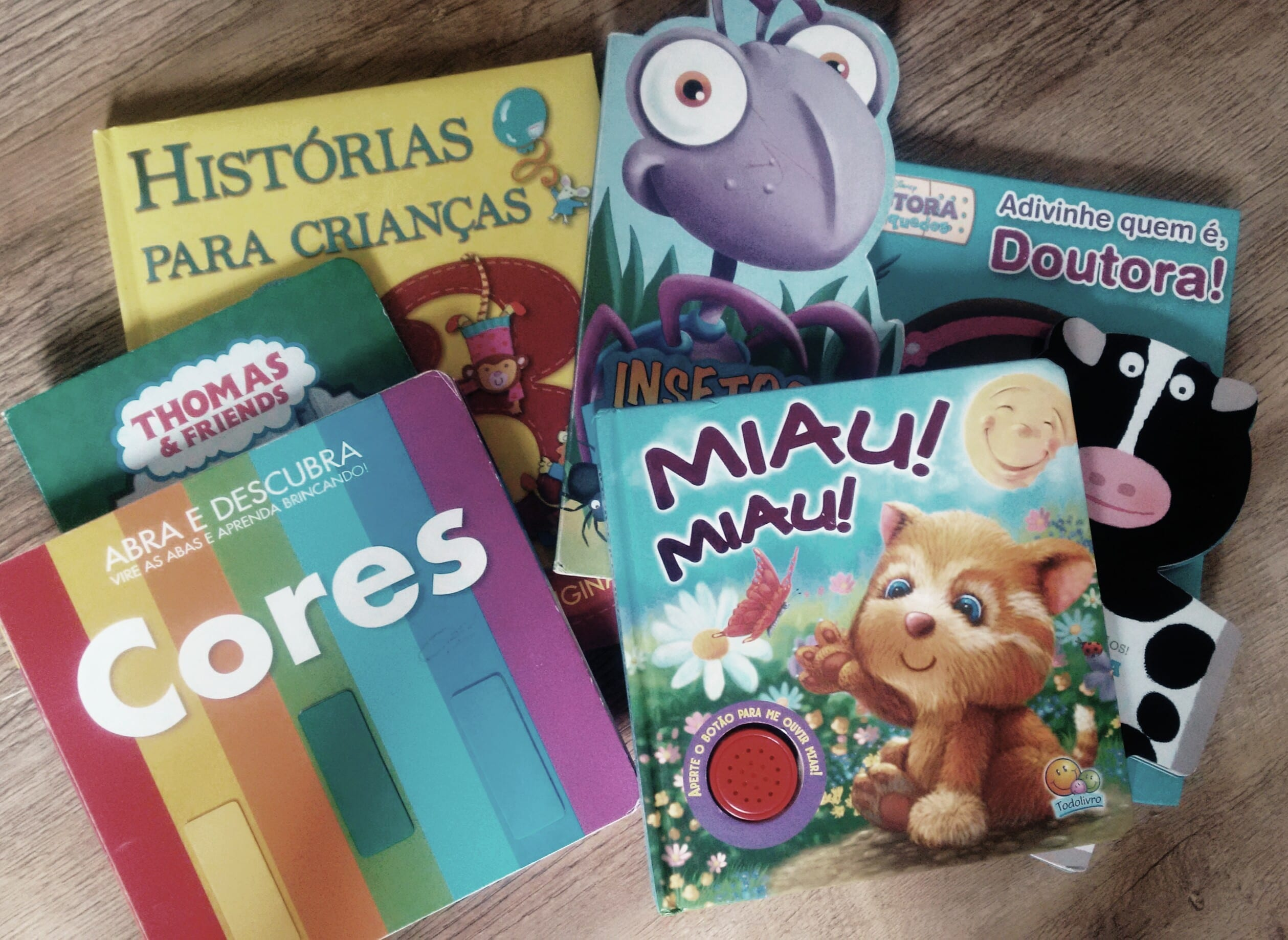 Pais devem incentivar a leitura e ler com os filho (Foto: Mães de Peito)