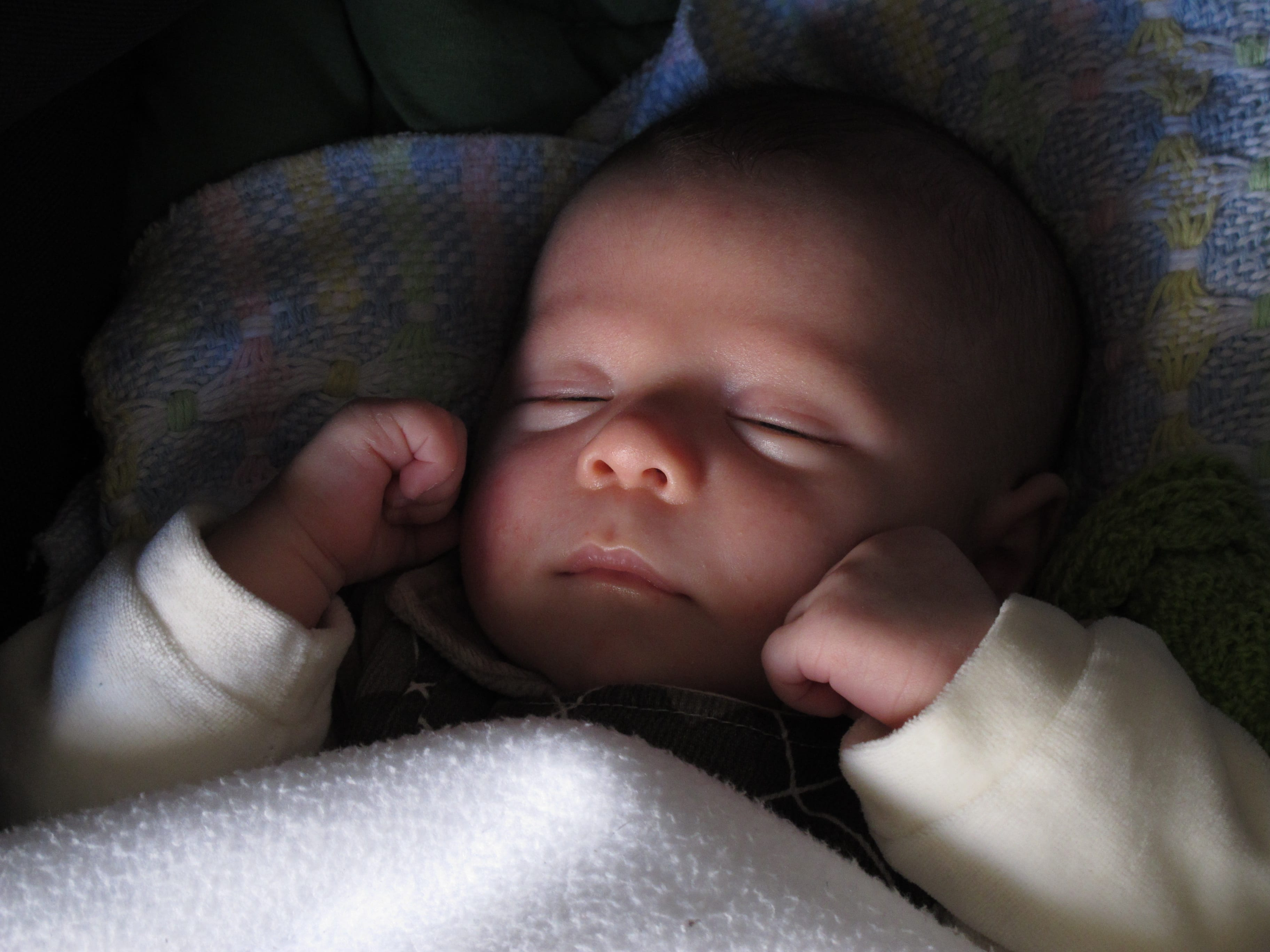 Consultora de sono ajuda criar rotina para dormir (Foto: Mães de Peito)