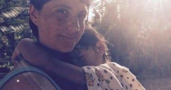 Luiza e o filho Bento; falta informação e apoio para as mães (Foto: arquivo pessoal)