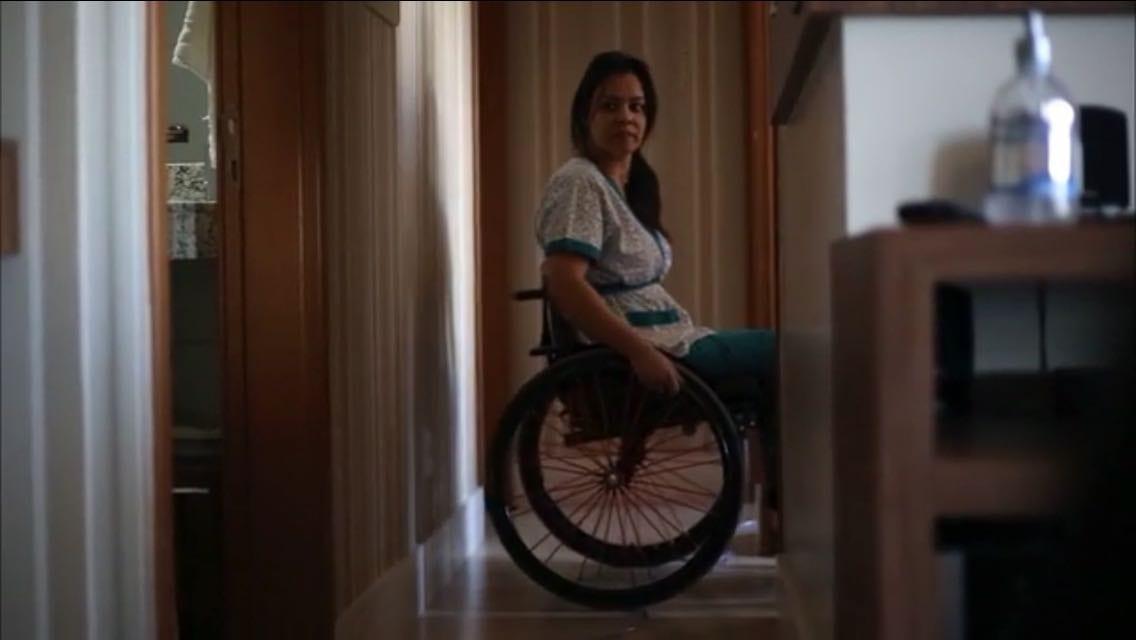 Melissa voltou a atender partos três meses após acidente (Foto: Juliana Matos)