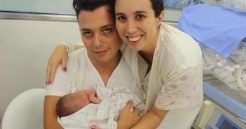 Yara e o marido com a filha na UTI (Foto: arquivo pessoal)