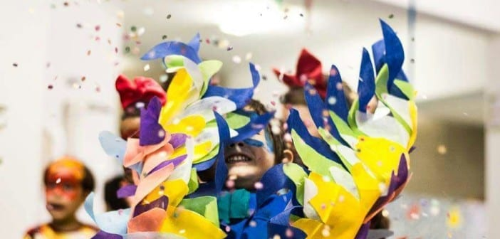 Dicas para pular Carnaval com bebês e crianças pequenas